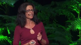 Using spare hands to make a difference | Janette Searle | TEDxAuckland