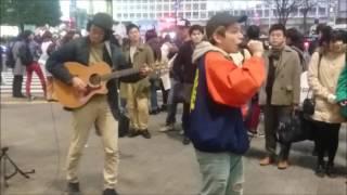 沖縄出身のラッパー Rude-αさんが2017年2月3日に渋谷でおこなった路上ラ...