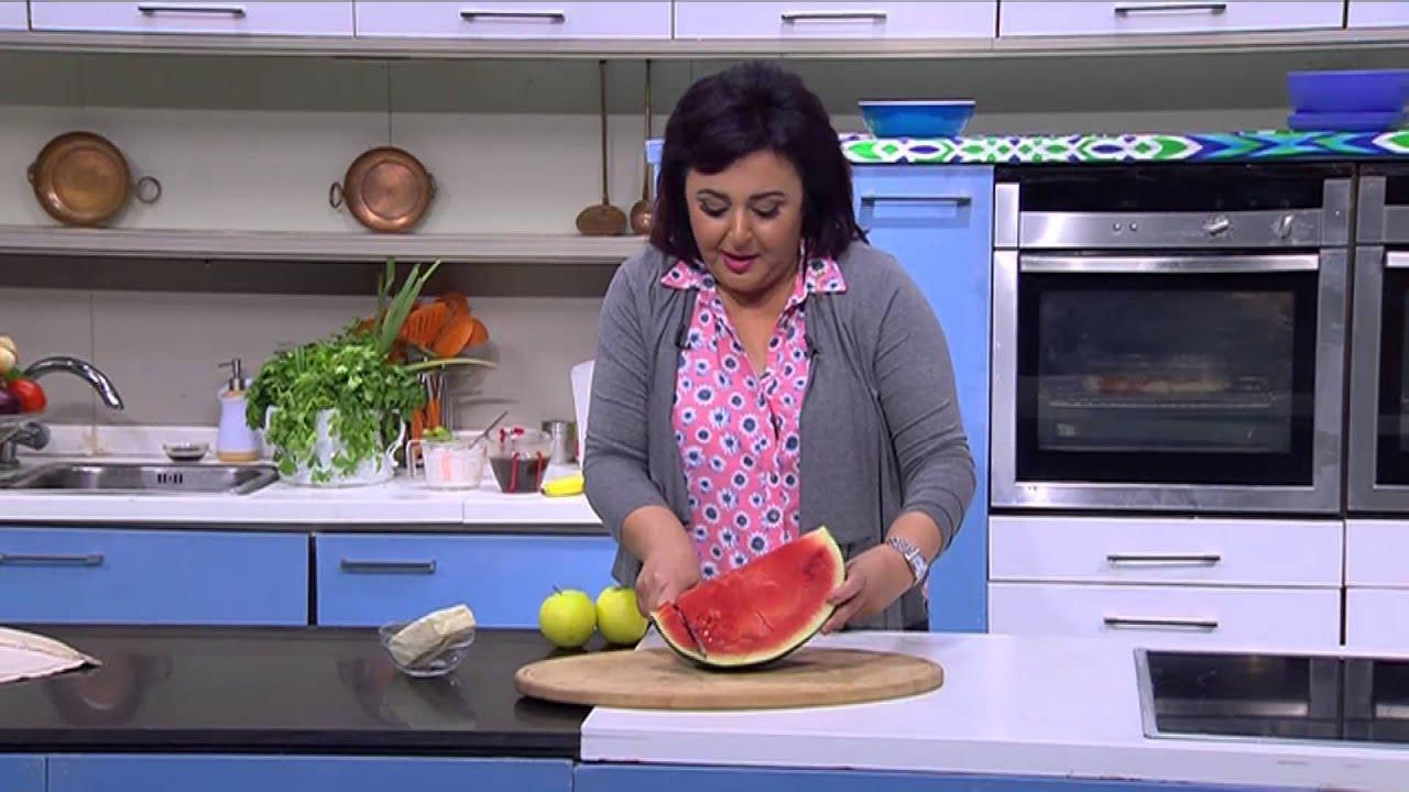 فاصوليا حمراء باللحمة المفرومة - سلطة البطيخ بالتفاح : عيش وملح حلقة كاملة