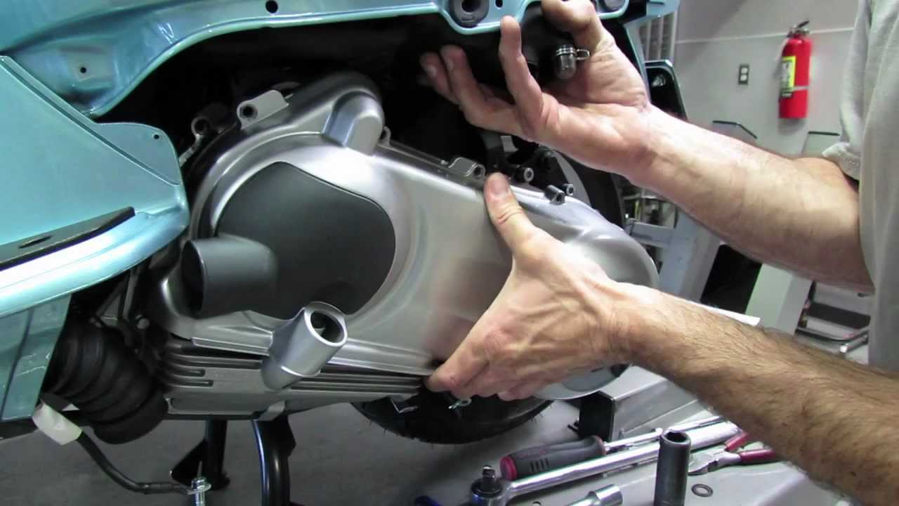Oil change in a variator of the car