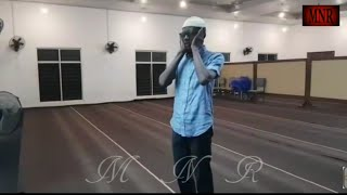 Very Beautiful Azan By An African Ahmady Muslim Brother In Ghana احمدی مسلمان بے حد  خوبصورت اذان
