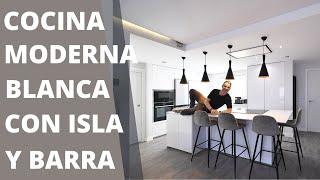 Cocinas blancas con ISLA  CJR