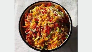 Витаминный овощной салат из капусты, помидоров, перца, огурцов, моркови на зиму без стерилизации