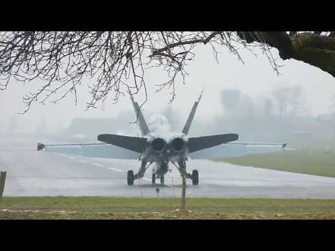 Plane Spotting at Meiringen Air Base - F/A-18 Hornet - Swiss Air Force