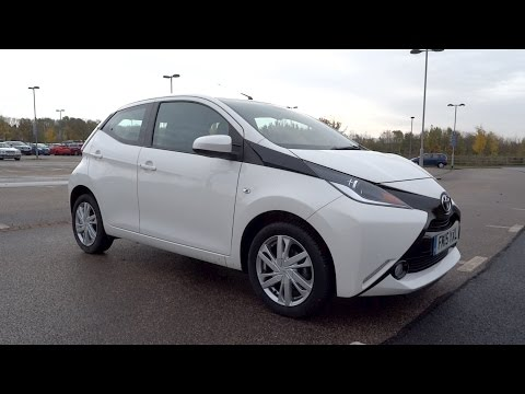 2015 Toyota Aygo 1.0 VVT-i x-pression (5-door) Start-Up and Full Vehicle Tour