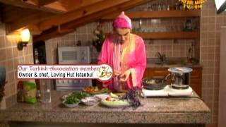 Cooking With Loving Hut Istanbul: Turkish Red Lentil Patties (in Turkish)