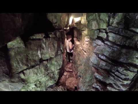 Blue Mountain Caving + Suspension Bridge (Scenic Caves)
