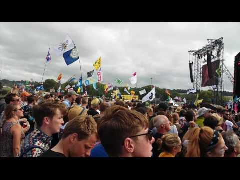 Barry Gibb - How Deep Is Your Love  (Live at Glastonbury - Sunday 25th June 2017)