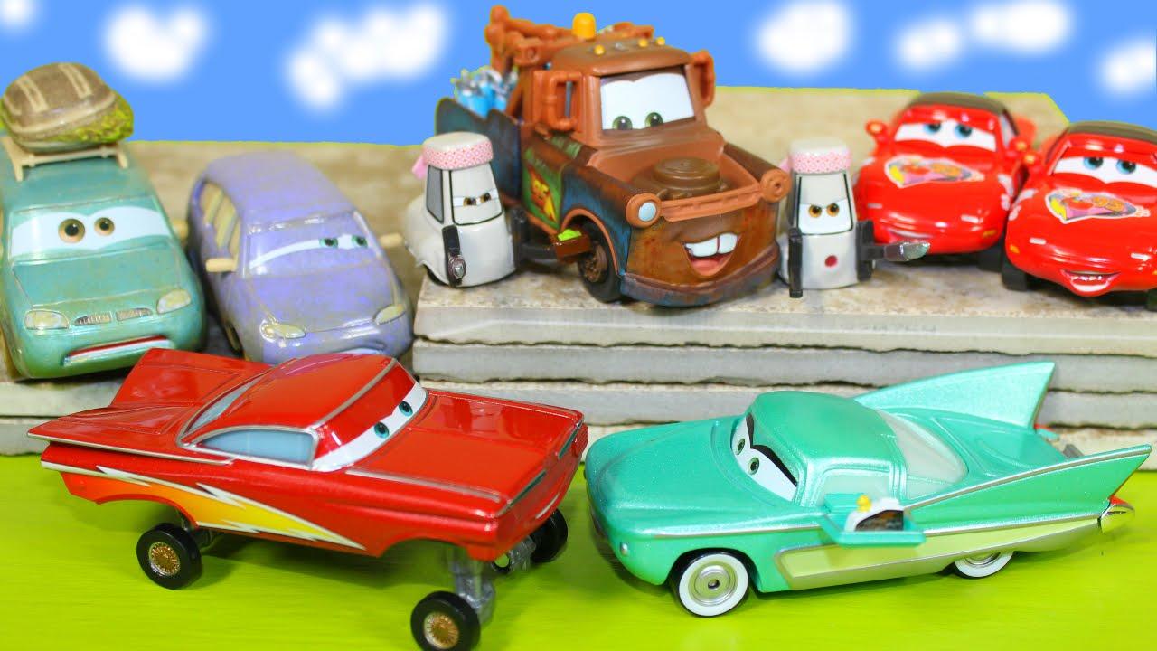 Brand New 2015 Cars 2 Packs Mater Mia Tia Ramone Flo Mini Van Toys
