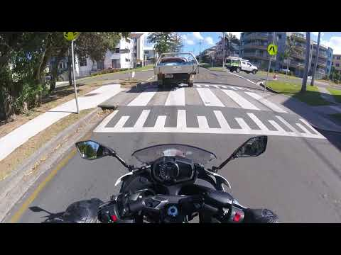 RIDE INTO CALOUNDRA QLD,SUNSHINE COAST.