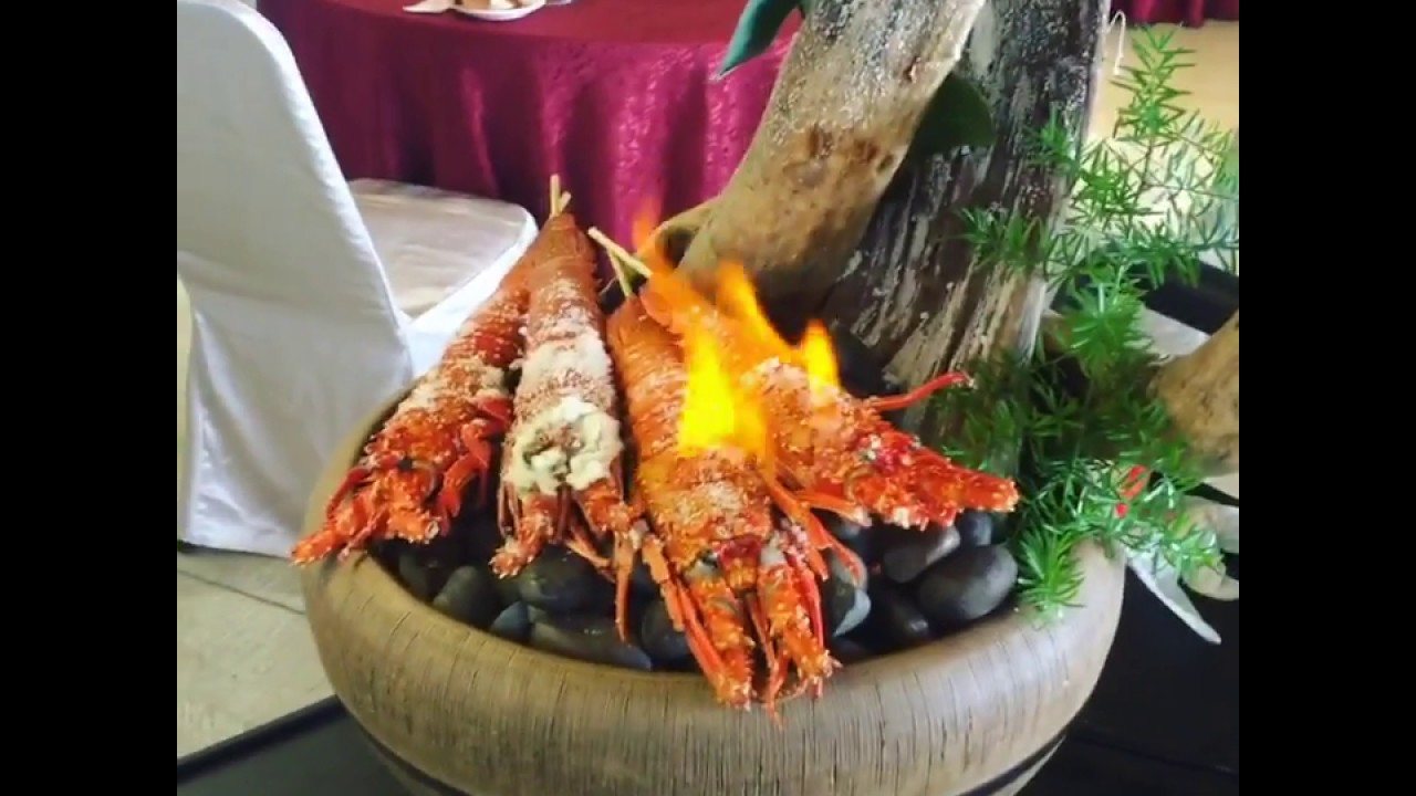 洄瀾灣景觀餐廳鹽烤龍蝦|生活就是要慢慢吃 - YouTube