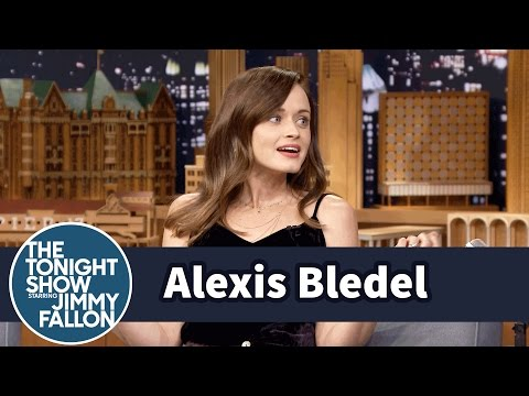 Alexis Bledel Ranks Her Top Four Gilmore Girls Characters - YouTube