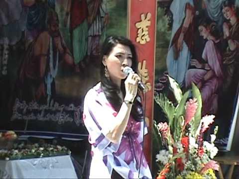 HONG-TRUC-Tam-su-nguoi-hat-bai-Que-Huong