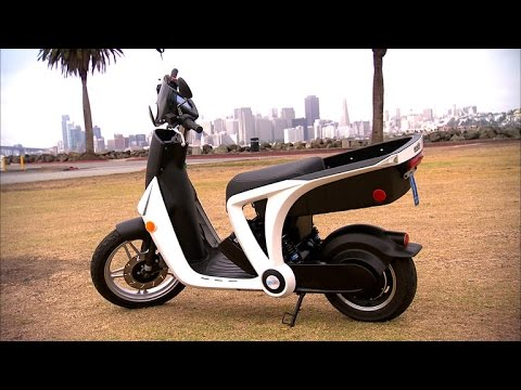 car tech genze 2 0 e scooter adds high tech features to. Black Bedroom Furniture Sets. Home Design Ideas
