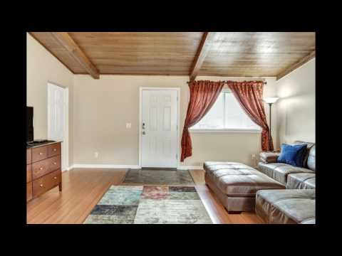 Valley Jewel - Ranch Style 3 Bedroom 2 Bathroom Close to Everything!