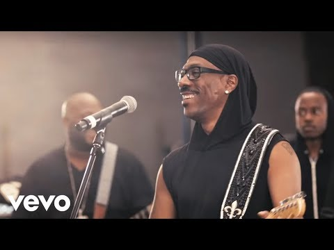 Eddie Murphy - Red Light  ft. Snoop Lion (Official Video)