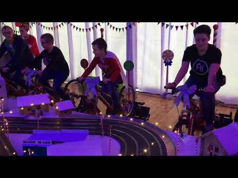 4 lines scalextric track powered by bikes