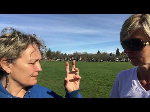 Lidija Martinovic Rekert interviews Lynn Plautz about how electroacupuncture can heal knee pain.