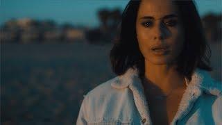 Смотреть клип Paola Iezzi - Ríes