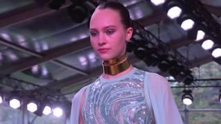 ELIE SAAB Ready-to-Wear Spring…