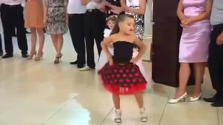 4 YEAR BABY DANCE PERFORMANCE