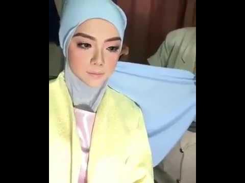 Part 4:Majlis Berbuka Puasa Dato Sri Siti Nurhaliza & Penyampaian Anugerah Universal Music Malaysia from YouTube · Duration:  1 minutes 1 seconds