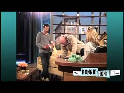 Bonnie Hunt Scares Crew Member with Spider  THE BONNIE HUNT