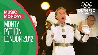 Monty Python 39 S Eric Idle London 2012 Performance Music Monday