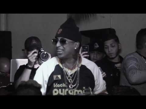 Ñengo Flow Live Performance Red Ponce