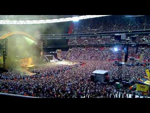 Let Me Entertain You Robbie Williams Live- Wembley Stadium 2013