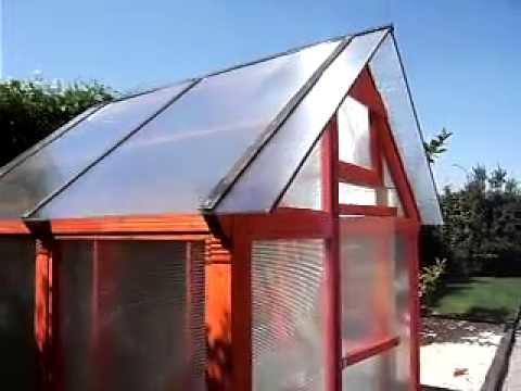 Invernadero luminoso en madera 2 youtube for Construccion de viveros