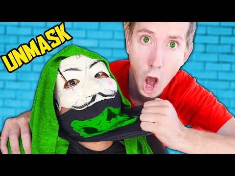 I UNMASK PZ9 to Find Secret on His Face! Undercover in Disguise with Vy in Battle Royal Challenges!