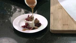 Brie Topped With Caramel Sauce, Craisins & Almonds : Brie Recipes