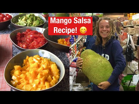 RAW VEGAN FRUITARIAN DINNER + Epic Pakistani shop fruit finds!