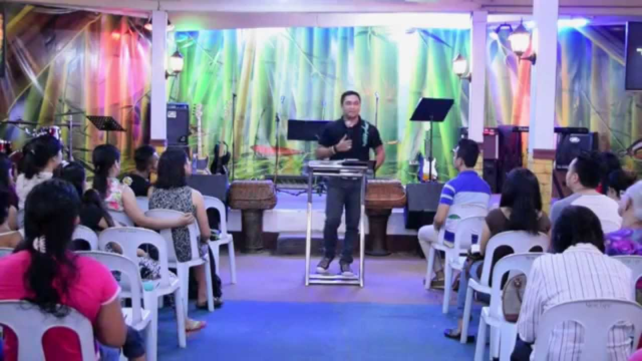 Newlife Tondo - In the right place and the right time