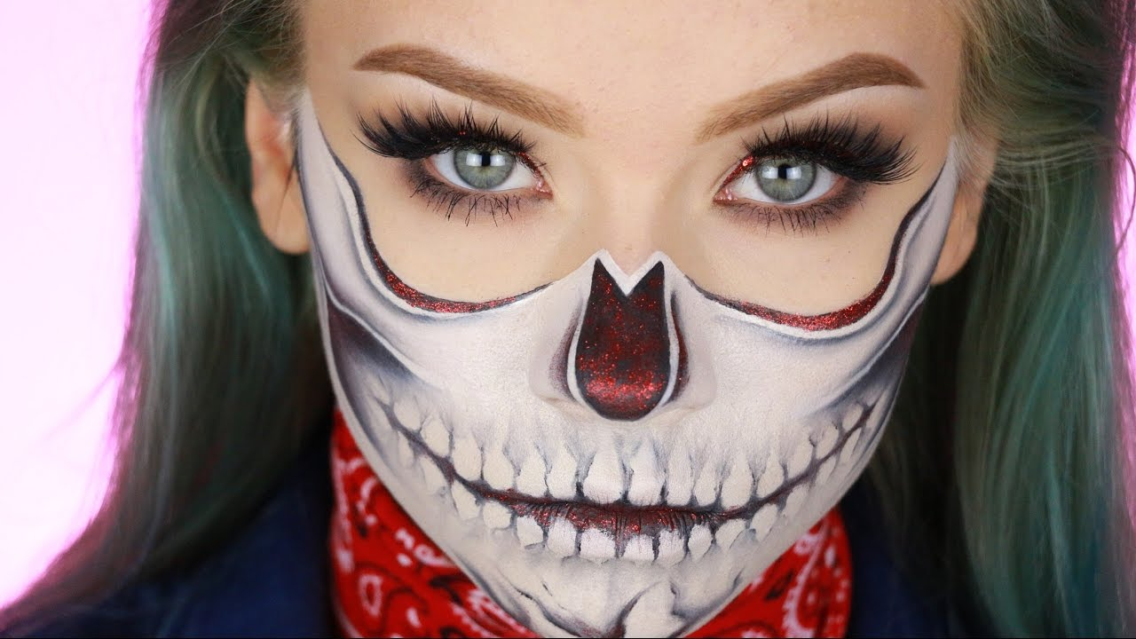 Half Glitter Skull | Halloween Makeup Tutorial - YouTube