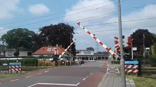 Treinen aan de Molenstraat en aan de Frans Halsstraat in Twello