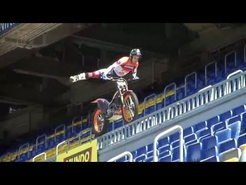 Repsol: The most spectacular training for Toni Bou at the Camp Nou