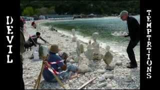 BAWI 2012 a Portonovo di Ancona: sassi in equilibrio raduno mondiale