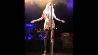 Nothing left to lose The Pretty Reckless [Subtitlos inglés y español]
