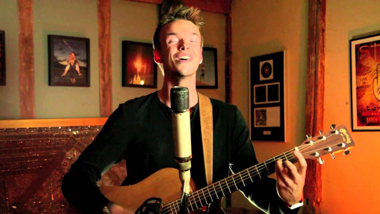Download David Guetta - Dangerous ft Sam Martin (Brad Mair Acoustic Cover)