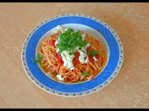 TOMATO SAUCE With Fresh BASIL - Quick And Easy Pasta Recipe
