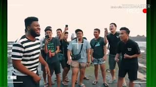 Khalid datang ke Bali yang nyanyi lagu young dumb untuk berlibur