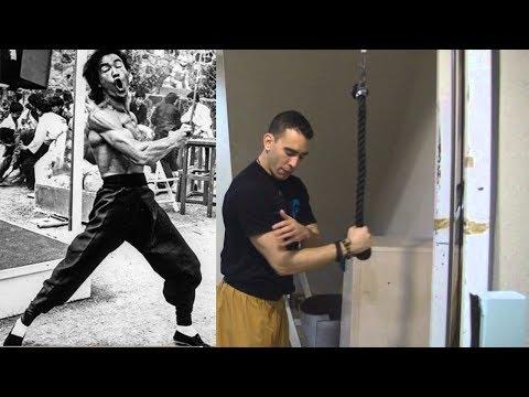 tríceps-bruce-lee- -ejercicios-favoritos- -kung-fu