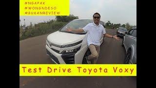 Test Drive Toyota Voxy.