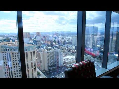 How To Get Room Upgrades & Comps In Vegas!