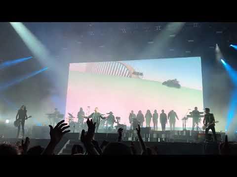 """Gorillaz """"19-2000"""" Live at Outside Lands 2017"""
