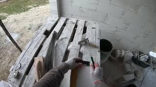 Jak obsadzić odskraplacz komina systemowego. Podbudowa komina systemowego.  Jak wybudować dom.