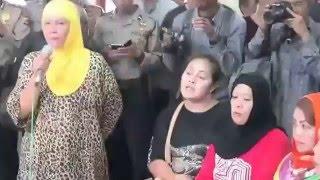 Ridwan Kamil Berdialog dengan Warga Saritem