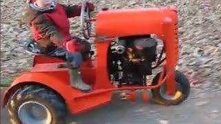 Самые маленькие действующие трактора